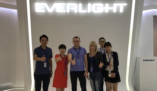 производителя светодиодов EVERLIGHT